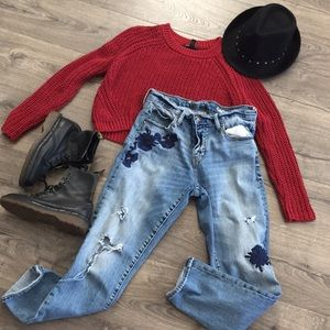 90's GRUNGE VIBES ✌🏻🥀  The GAP floral jean